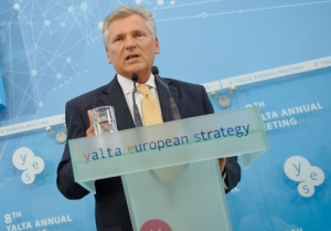 To remain the global leader, the European Union should enlarge – Kwasniewski