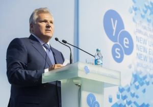 "Russia will not change its ""tune"", - Alexander Kwasniewski"