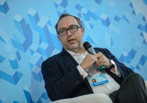 Ukrainian and Russian Wikipedia must work together, - Jimmy Wales