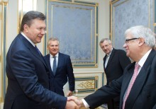 Yalta European Strategy Board members meet with President of Ukraine and members of Government
